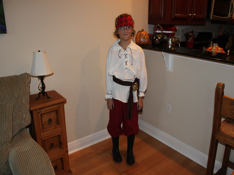 HOW TO Make A Halloween Pirate Costume From Thrift Store Finds & HOW TO: Make A Halloween Pirate Costume From Thrift Store Finds ...